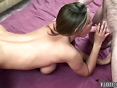 Older bitch Leeanna Heart takes some shlong in her snatch