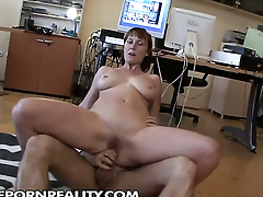 Redhead polishes lucky dudes fixed sausage with her lips
