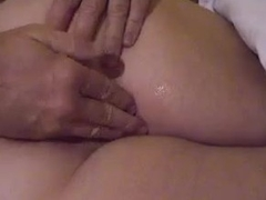 He toys her fat pussy before a BJ