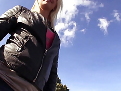 Unconstrained publicsex slut cummed on outdoors
