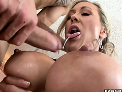 After receiving an irritant licking, this hot MILF sucks a big cock