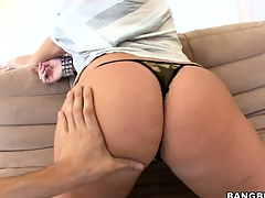Big knocker ill-lighted Sophie Dee getting nude and showing pussy
