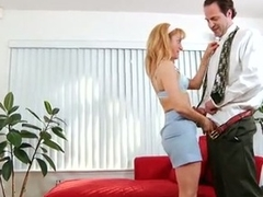 Amateur gets her mature twat filled