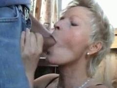 Mature amateur wife sucks and fucks outdoor